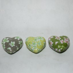 Keramikherz m. Blumen 3 Farben sortiert